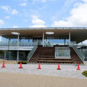 新幹線0系が設置されている図書館がまもなく完成の巻(R2.7.1)