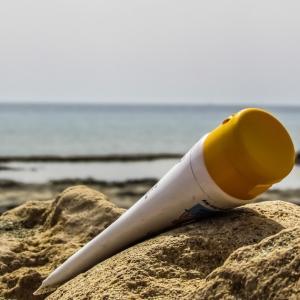 日焼け止めの紫外線防御剤が体内に吸収される?