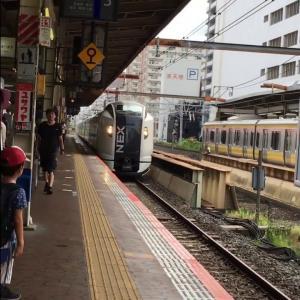 錦糸町駅成田エクスプレス通過シーン