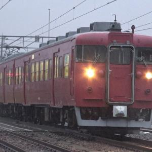 【4K】JR七尾線 普通列車413系電車 サワB05編成 羽咋駅到着