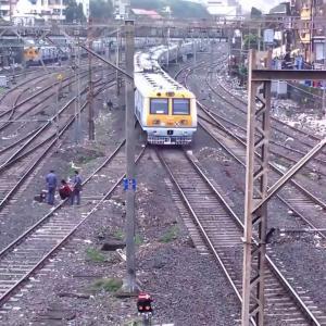 Mumbai Local Train TIME-LAPSE _Watch 20 trains