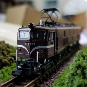 鉄道模型 EF58-122