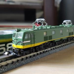 鉄道模型 EF58青大将入線