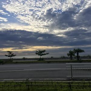 沖縄県、浦添パルコシティー前の夕日で癒された