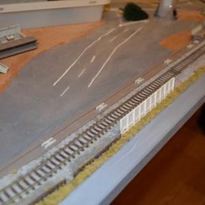 Nゲージ レイアウト製作 駅や踏切を復旧させてます。
