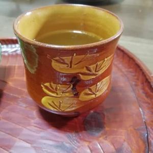 布志名焼の湯のみで お茶一杯