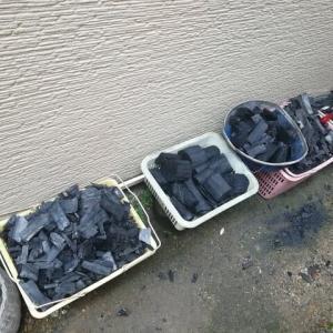 何故 炭を洗うのか ? 汚れるから ? それもありますけれど