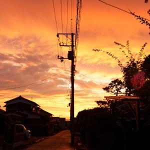 夕焼けの翌日は雨
