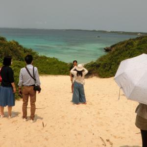 宮古島、砂のきらきらとする熱さ、「砂山ビーチ」写真14枚をHPに