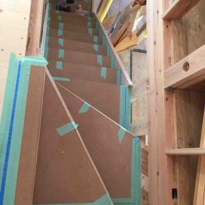 階段完成(2軒目の新築)