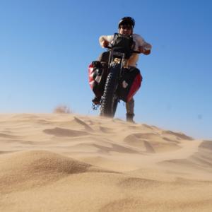 世界最大の砂漠を自転車で横断するサラリーマン冒険家のサポート⑥