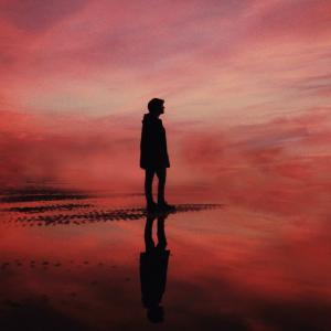 あなたが孤独な理由はこれかも?不安を感じやすい人は他人を信じない!