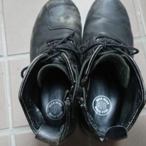 バイク乗るときに使用しているブーツ