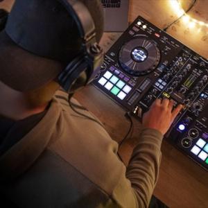 【DJ初心者向け】PCDJコントローラーでスクラッチ練習の参考動画の紹介。DJ Carlo Atendidoがとてもわかりやすいよ!