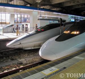 9年前、博多駅で新幹線異系列三並び