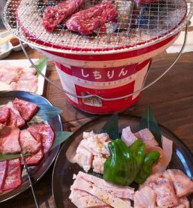 【福岡・箱崎】七輪でじっくり焼くホルモン焼肉!