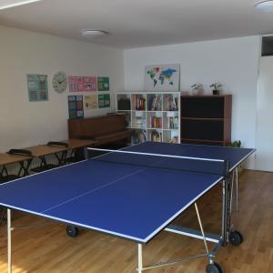 卓球台も新たに加わりました。