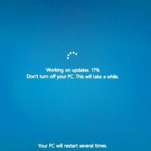 Windows 10 フィーチャーアップデート直後ログインでスタック & 対処方