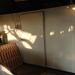 プレハブ冷蔵庫を購入しました