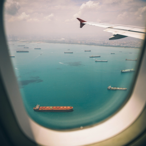 飛行機で寝れる快眠アイテム(首耳目ケアグッズ)