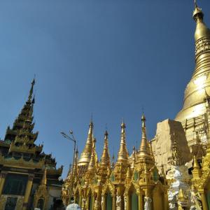 ミャンマー最大の都市ヤンゴン観光②(シュエダゴンパゴダと食事)