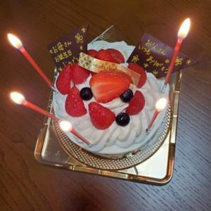 昨日は父の日、今日はお誕生日&結婚記念日ですm(__)m。