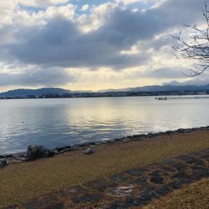 膳所城跡公園から見る朝の琵琶湖