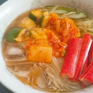 キムチたっぷりのピリ辛冷麺