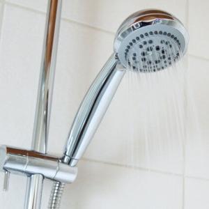 イギリス・ロンドンでの乾燥肌対策。おすすめのシャンプーやボディーソープとは?シャワー事情を解説