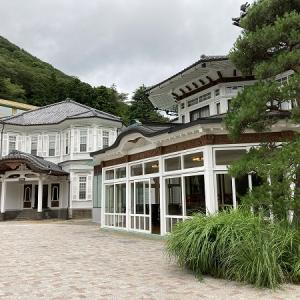 富士屋ホテル フォレストウィングに行く途中にも歴史パネルあり。ピコットでパンを購入。温泉付きや、食事付のデイユースもあるみたいだし、こちらも利用してみたいです