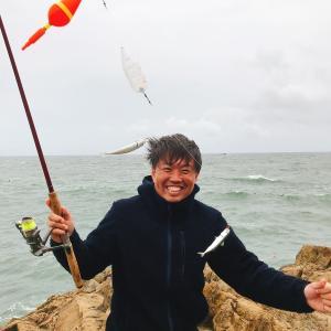 大時化の鴨川漁港は鯖の入れ食いだった
