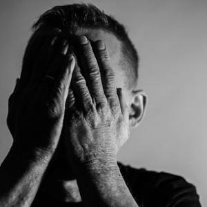 【解離性障害】急に落ち着かない自分自身の体調の変化。~フラッシュバックと記憶障害について~