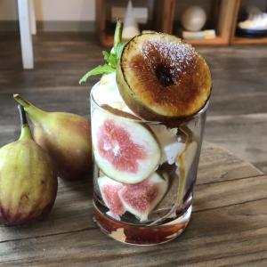 『無花果とマスカルポーネアイスのグラスデザート』秋の新作グラスデザート♪