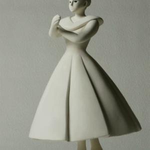 COOL氏の人形  「フレアースカートのカレン」の白素地人形ができました。