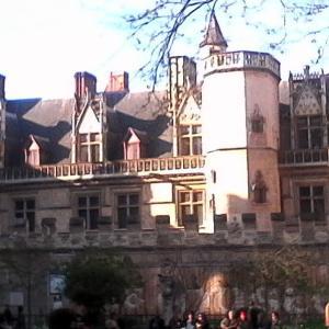中世の館の門番