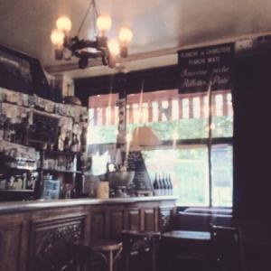 夏の終わりのカフェ