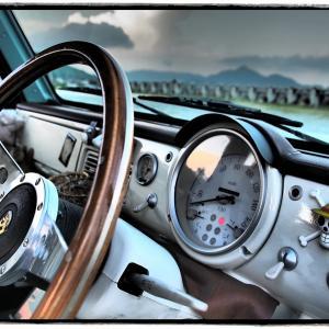 旧車の税金が高すぎるのではないでしょうか?