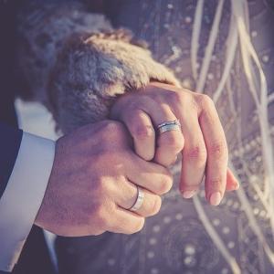 テセウスの船・心の結婚指輪したまま?ゆきの右手指輪は誰にもらった?