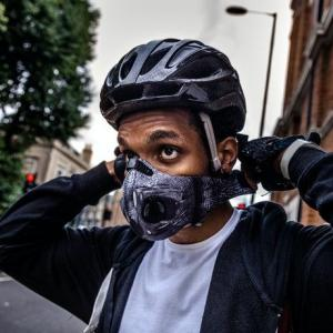 自転車乗る時ってマスクしなくちゃいけないの?