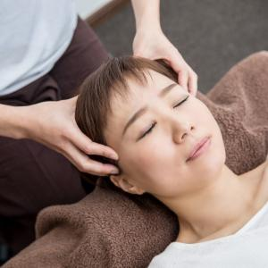 癒しのツボ「百会」で自律神経の調整、不眠対策を!