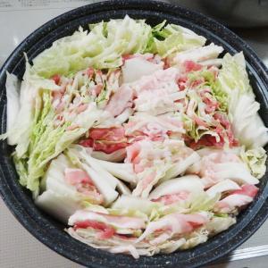 鍋(豚肉と白菜のミルフィーユ鍋)に合う副菜
