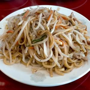 餃子菜館清ちゃんで小松名物塩焼きそばを食べる