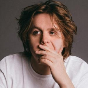 Lewis Capaldi - Hold Me While You Wait 【歌詞和訳】