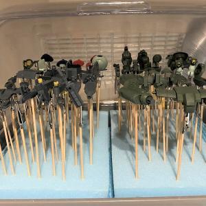 HGBDグリモアレッドベレー 製作⑥ 洗浄・サフ
