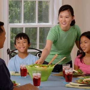 子供の食事と睡眠を親はしっかり見る