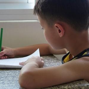 小学校一年生から宿題をやらないとどうなるのか?