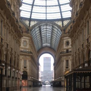 イタリア・ミラノ、40日間の記録