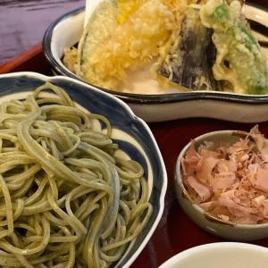 福井の老舗蕎麦屋うるしや:1861年創業、伝統的な日本家屋で蕎麦を楽しむ