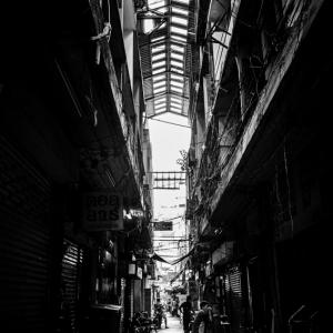 チャイナタウンの薄暗い路地 (タイ)
