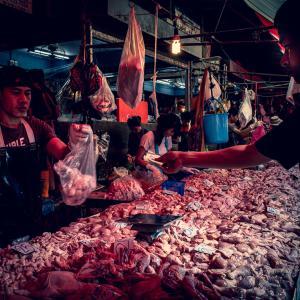 肉屋で買う男 (タイ)